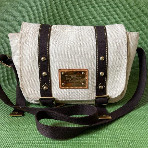 LOUIS VUITTON White and Brown Canvas Messenger Bag